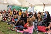 Zámecký pak ve Veselí nad Moravou patřil o víkendu festivalu s názvem Svátek bláznů.