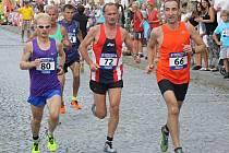 Sobotní Vnorovskou desítku ovládli afričtí běžci. Závod žen si zase podmanila Maďarka Zita Kácser. Celkem se v obci na Veselsku představilo necelých sedm set mužů, žen a dětí. Každý z nich obdržel pamětní medaili.