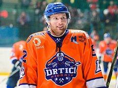 Čtyřiadvacetiletý hokejista druholigového Hodonína Martin Miklík (na snímku) vládne klubové produktivitě obránců SHK.