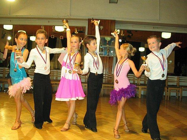 Mladí hodonínští tanečníci.