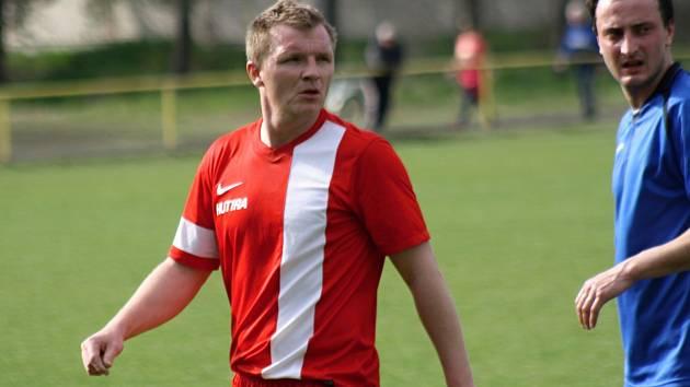 Zkušený milotický fotbalista Lukáš Hofr (na snímku) patřil v domácím zápase s Rajhradem k nejlepším hráčům na trávníku.