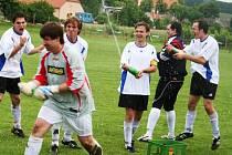 Fotbalisté Starého Poddvorova poprvé v historii klubu vyhráli okresní přebor a postoupili do krajských soutěží.
