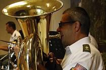 Vojenská kapela z Olomouce – Dixieland zahájila hodonínský Lázeňský hudební festival.