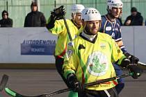 Sudoměřičtí hokejbalisté o víkendu získali tři body. Slovácký celek nejprve doma podlehl Ústí nad Labem, v neděli pak porazil Kovo Praha.