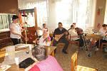 Andrej Sučko už několik měsíců dochází do domova seniorů v hodonínské části Bažantnice.