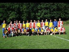 Bývalí hráči Sokola Lipov se utkali v rámci oslav sedmdesáti let se starými pány Slovácké Slávie Uherské Hradiště.