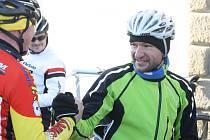 Tradiční silvestrovské vyjížďky se zúčastnila téměř stovka cyklistů. V početném pelotonu byl i profesionál Jan Bárta. Tour de Kyjov nakonec vyhrál mistr světa Alois Kaňkovský.