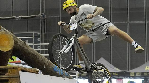 Hodonínský biketrialista David Herka skončil v posledním letošním závodě třetí.