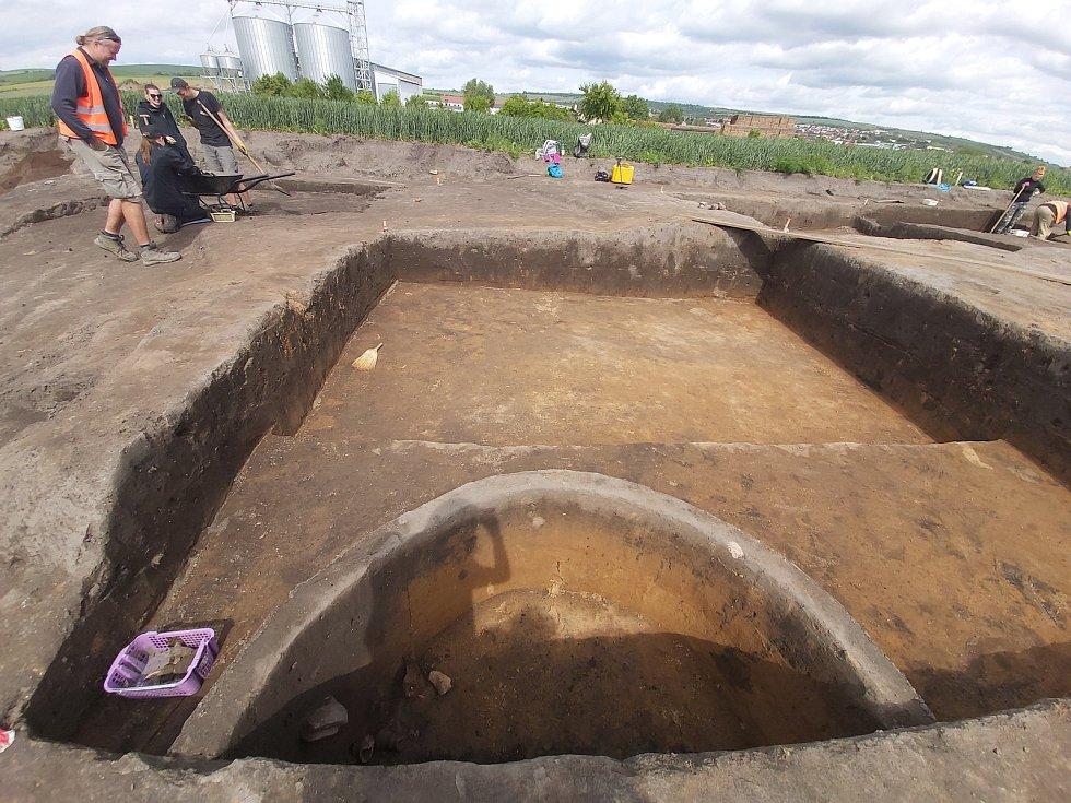 Záchranný archeologický průzkum v úseku dálnice D55 Staré Město – Moravský Písek.