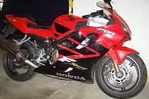 Kradená Honda CBR 600S.