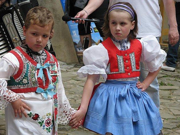 Otevírání sezony na zámku v Miloticích.