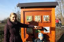 Nová informační tabule stojí u Moravského Písku. Kolemjdoucí se na ní dozví zajímavosti o ptačí oblasti a druzích, které v ní žijí.