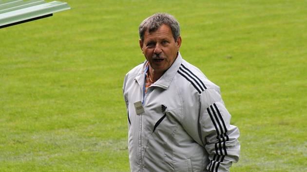 Zkušený blatnický trenér Jaroslav Bíla byl po utkání v Mikulově spokojený. Celek z Veselska na hřišti posledního týmu první A třídy zvítězil přesvědčivě 4:1.
