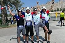 Čtveřice hrdinů, Antonín a Tomáš Martinkovi, Vojtěch Přikryl a Jindřich Blanář se ve Spojených arabských emirátech stala mistry světa v kategorii mužů do třiadvaceti let.