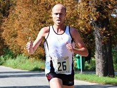 Brněnský vytrvalec Lukáš Soural zaznamenal další triumf a míří za absolutním vítězstvím. Na Slovensku si na trati dlouhé 10,2 kilometru připsal čas 36:12 minuty a získal dalších sedm set bodů.