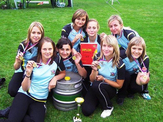 V Hovoranech loni v březnu založili družstvo žen – Dřím team.