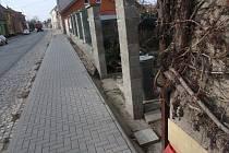Nový chodník v Komenského ulici v Dubňanech.