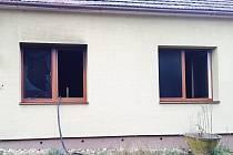 U požáru rodinného domu ve Bzenci zasahovali hasiči, záchranáři i policisté.