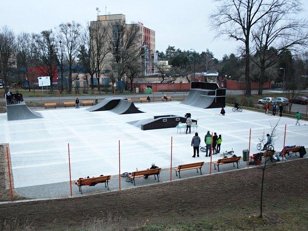 Skatepark se v Hodoníně opět otevřel.