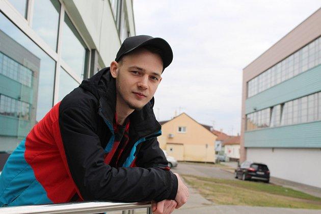 Devatenáctiletý filmař Jakub Richter.