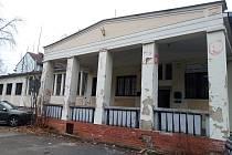 Budova v Patočkově ulici na hodonínském sídlišti Bažantnice by měla v příštím roce oslavit pětašedesát let existence.