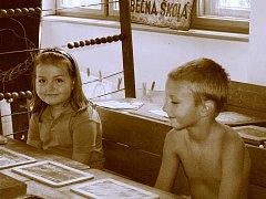 Roupy dětí se dříve léčily trestem od učitele, řídícího a pak i rodičů.