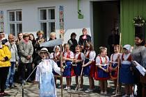 Slavnostní otevření chalupy Fanoša Mikuleckého v Mikulčicích.