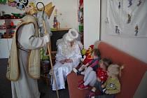 Mikuláš navštívil se svou družinou také hodonínskou nemocnici