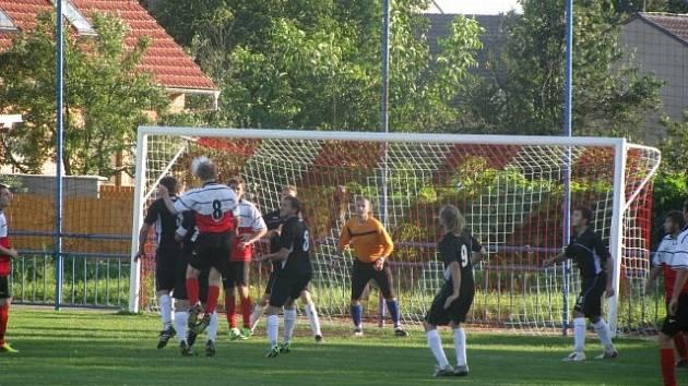 Fotbalisté Dolních Bojanovic se probojovali až do finále Okresního poháru.