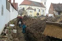 Unikátní objev středověkého schodiště v Čejkovicích