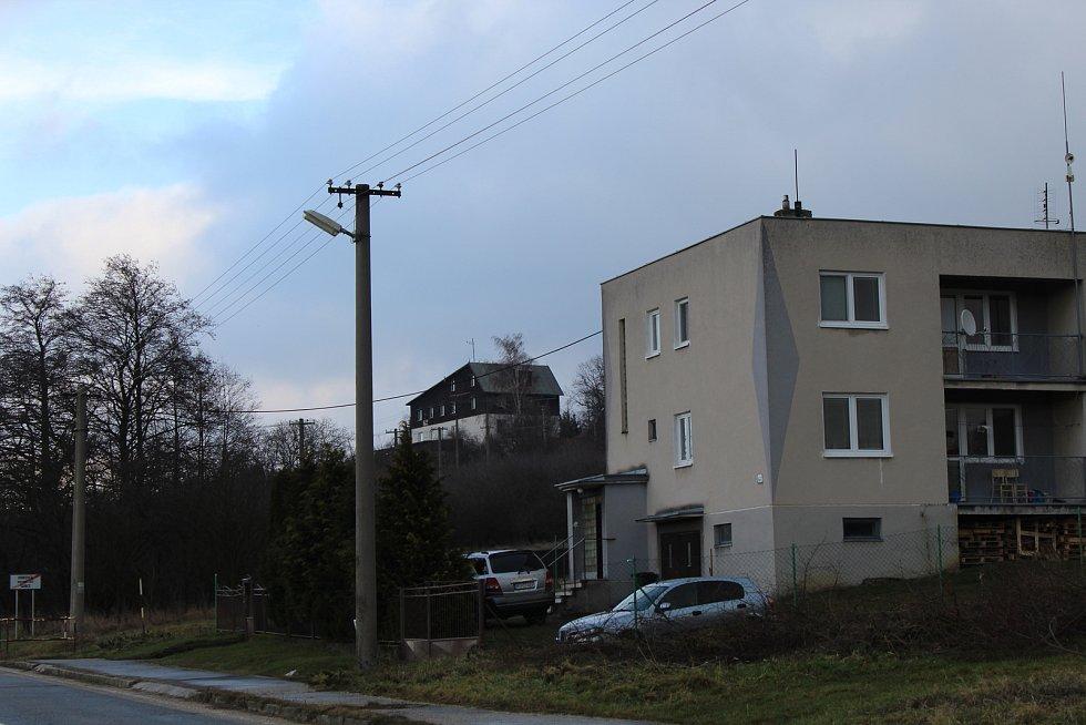 Šance, místní část obce Vrbovce na Slovensku. Před rozdělením Československa se jmenovala U Sabotů a patřila k Moravě.