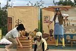 Od mala Měl Pavel Růžička z Kyjova rád ochotnické divadlo, tak založil Dětské kočovné divadýlko a vyráží na s nimi na štaci po Slovácku. Foto: Archív spolku