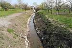 Vodní tok Kozojídka po úpravách koryta.