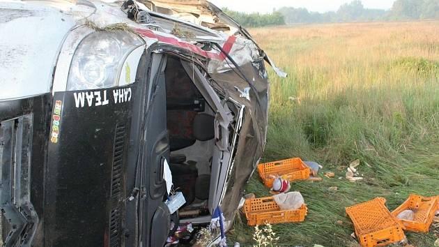 Řidič dodávky s pečivem havaroval v pátek brzy ráno mezi Vlkošem a Vracovem.