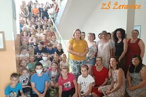 Základní škola Žeravice strhla obrovskou lavinu solidarity. Přidávají se i další školy z celé České republiky.