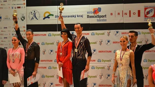 Václav Masaryk s Klárou Chovančíkovou za čtyři poslední měsíce urvali v kategorii Rising Stars již třetí blyštivý kov. Ke stříbru z Maribor Open a bronzu z prestižní Austria Open přidali zlatou medaili, kterou získali v Brně.