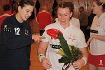 Házenkářky Veselí nad Moravou po loňském triumfu v Českém poháru nad Slavií tentokrát stejnému soupeři podlehly 22:31.