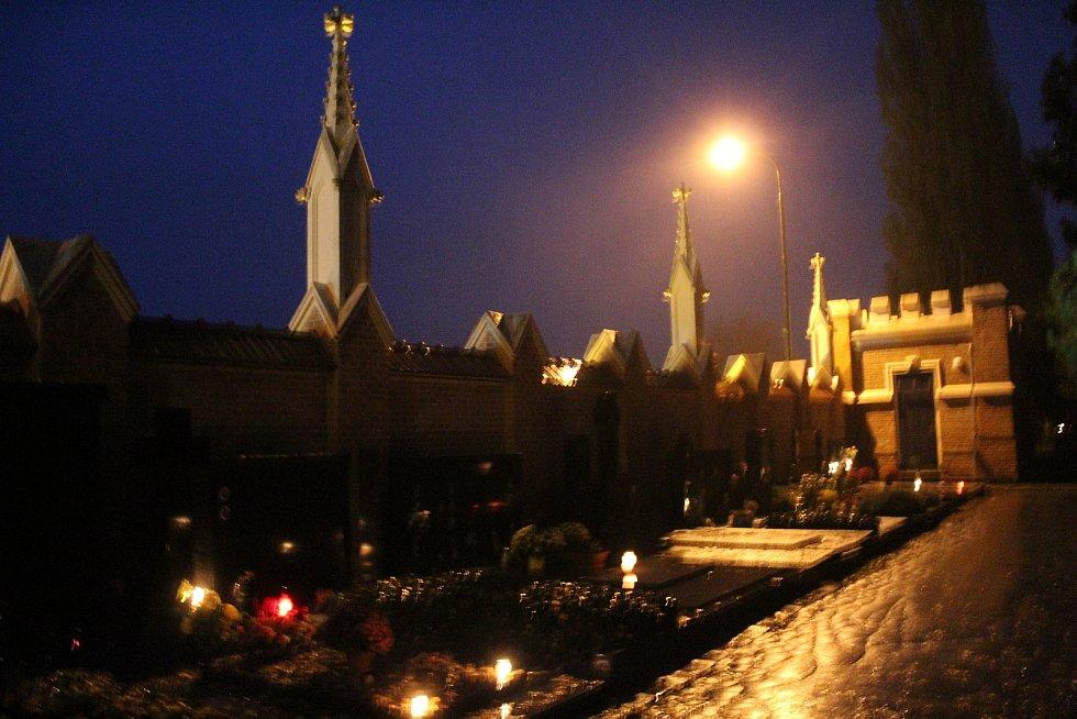 Dušičky 2020 na Městském hřbitově v Hodoníně.
