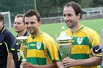 Útočník Mutěnic Dalibor Koštuřík (vpravo) bude i na jaře spoléhat na přesné přihrávky od Milana Válka, který se rozhodl pokračovat v aktivní kariéře.