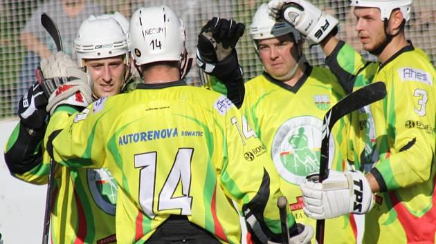 Hokejbalisté Sudoměřic zvládli domácí duel s Hradcem Králové, který na hřišti v Hodoníně porazili 2:1.