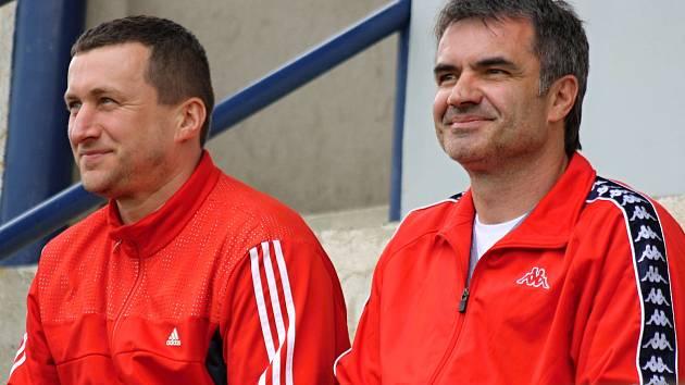 Milotický předseda klubu Richard Dobeš (na snímku vpravo) hodnotí začátek sezony i přes těsnou porážku v Kněždubu pozitivně.