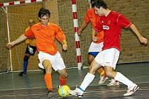 Futsalisté Dubňan (v oranžovém) - ilustrační foto.