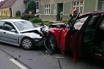 Celkem pět zraněných si vyžádala nedělní nehoda v Louce na Hodonínsku. Stala se krátce před půl dopoledne dvanáctou na silnici 71.