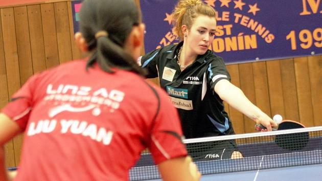 Stolní tenistka Hodonína Kristýna Mikulcová prohrála oba úterní duely 1:3 na sety.