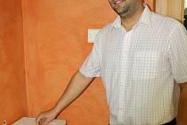 Až do pětadvacátého května 2013 mohou lidé přispět na obměnu lůžek v hodonínské nemocnici. K pokladničce v jejím areálu nově přibyly dvě na mětském úřadě na Národní třídě.