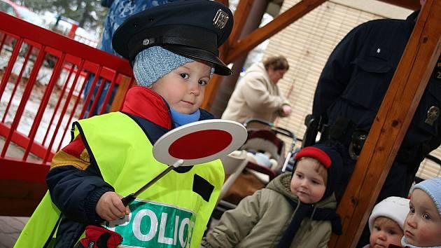 Policie v Kyjovském Kojeneckém ústavu