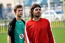 Na útočníka Milana Pacandu, který hraje v okresním přeboru Hodonínska za Uhřice, si dávají zadáci ostatních týmů velký pozor.