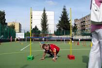 Od roku 2009 má škola Dr. Joklíka moderní sportovní areál.