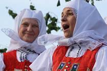 Po patnácté se v areálu vinných sklepů Slavín v Ratíškovicích konalo Zpívání pod Náklem.