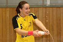 Slovenská křídelnice Laura Kováčiková se raduje z postupu do první ligy.